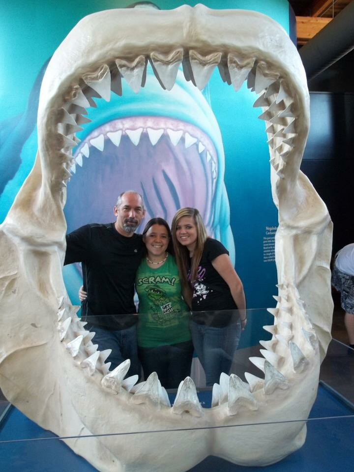 The hubby and daughters at the Oregon Coast Aquarium